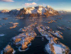Деревня Хеннингсвер на рассвете. Северная Норвегия