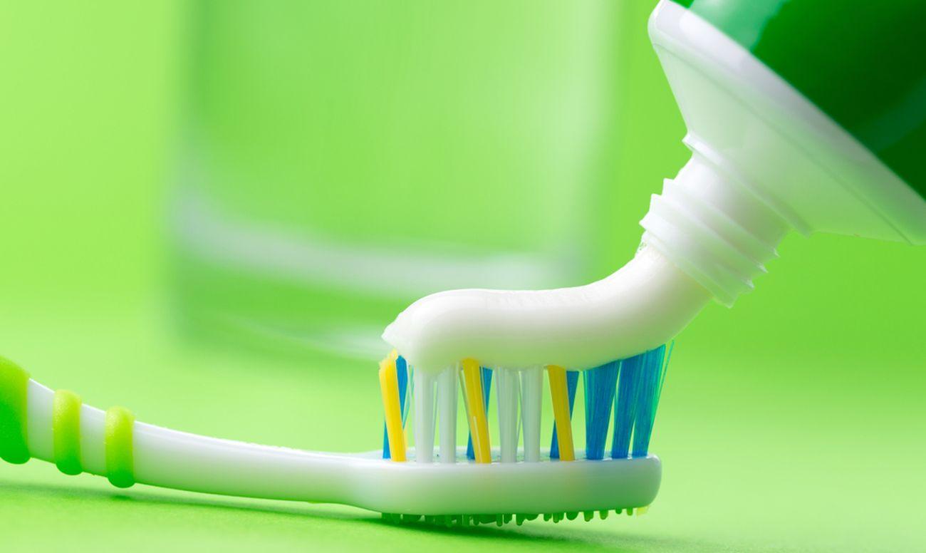 toothpaste_1300
