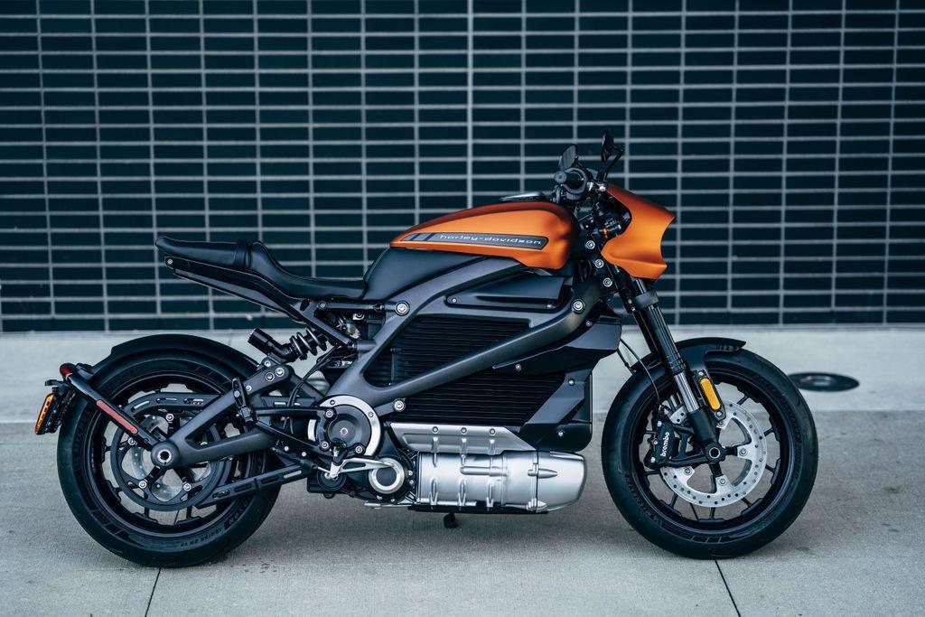 Harley-Davidson представил электрический мотоцикл LiveWire